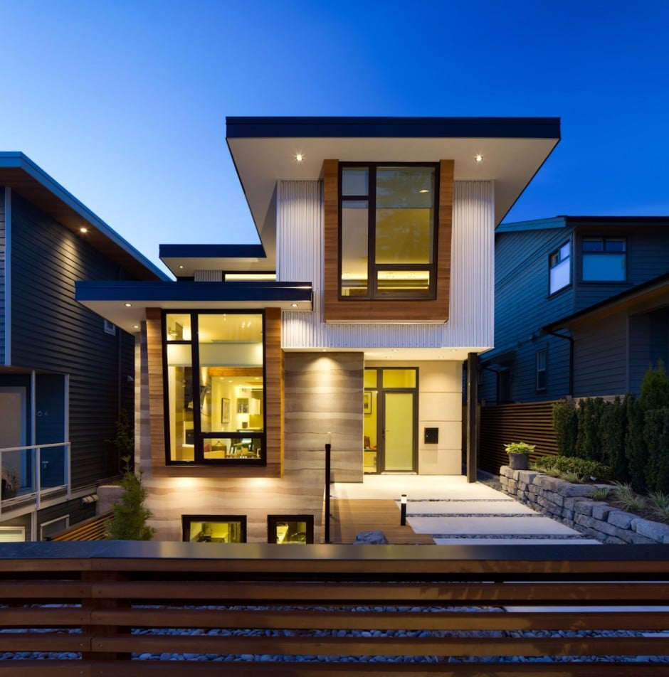 Fachada de casa moderna de dos pisos y dise o de for Best windows for new home construction