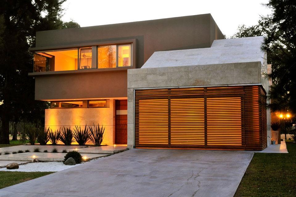 Planos de casa moderna de dos plantas fachada e interiores for Casa minimalista 2 plantas
