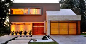Dise o de casa moderna en esquina fachada e interiores for Modernizar fachada casa