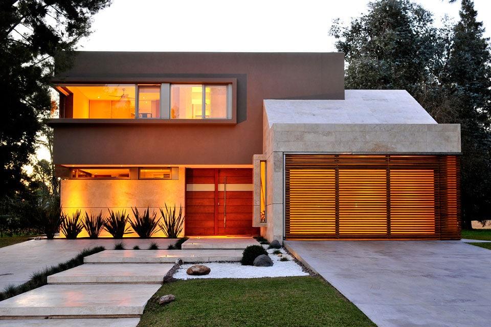 Planos de casa moderna de dos plantas fachada e for Diseno de jardines frentes de casas