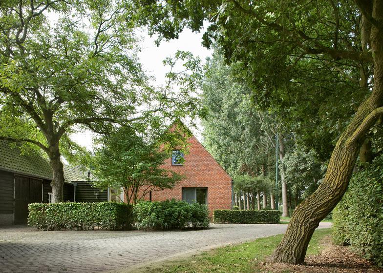 Dise o de casa de campo planos fachada construye hogar for Casas de ladrillo visto fotos