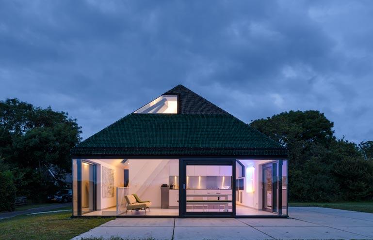 Dise o de casa peque a de campo de madera for Casa moderna de campo