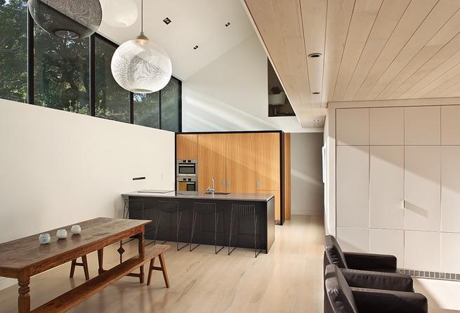 Dise o de moderna casa de campo dos pisos construye hogar for Planos de cocina y comedor