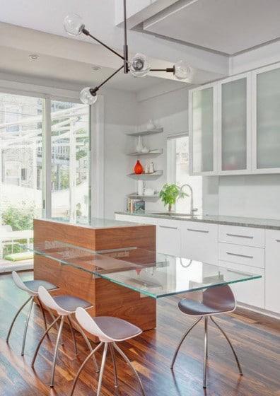 Diseño de cocina con isla de vidrio 2