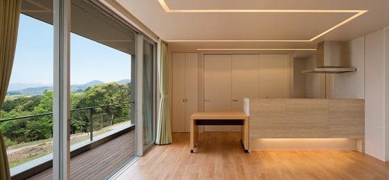 Diseño de cocina simple de casa de un piso