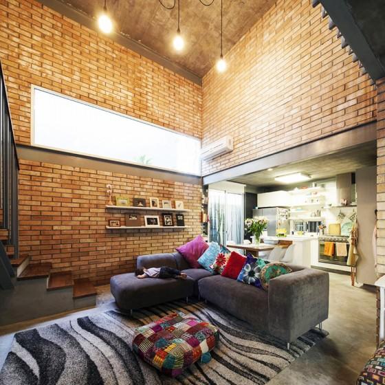 Diseño de interiores con ladrillo en sala estar