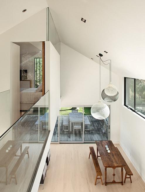 Dise o de moderna casa de campo dos pisos construye hogar - Iluminacion moderna de interiores ...