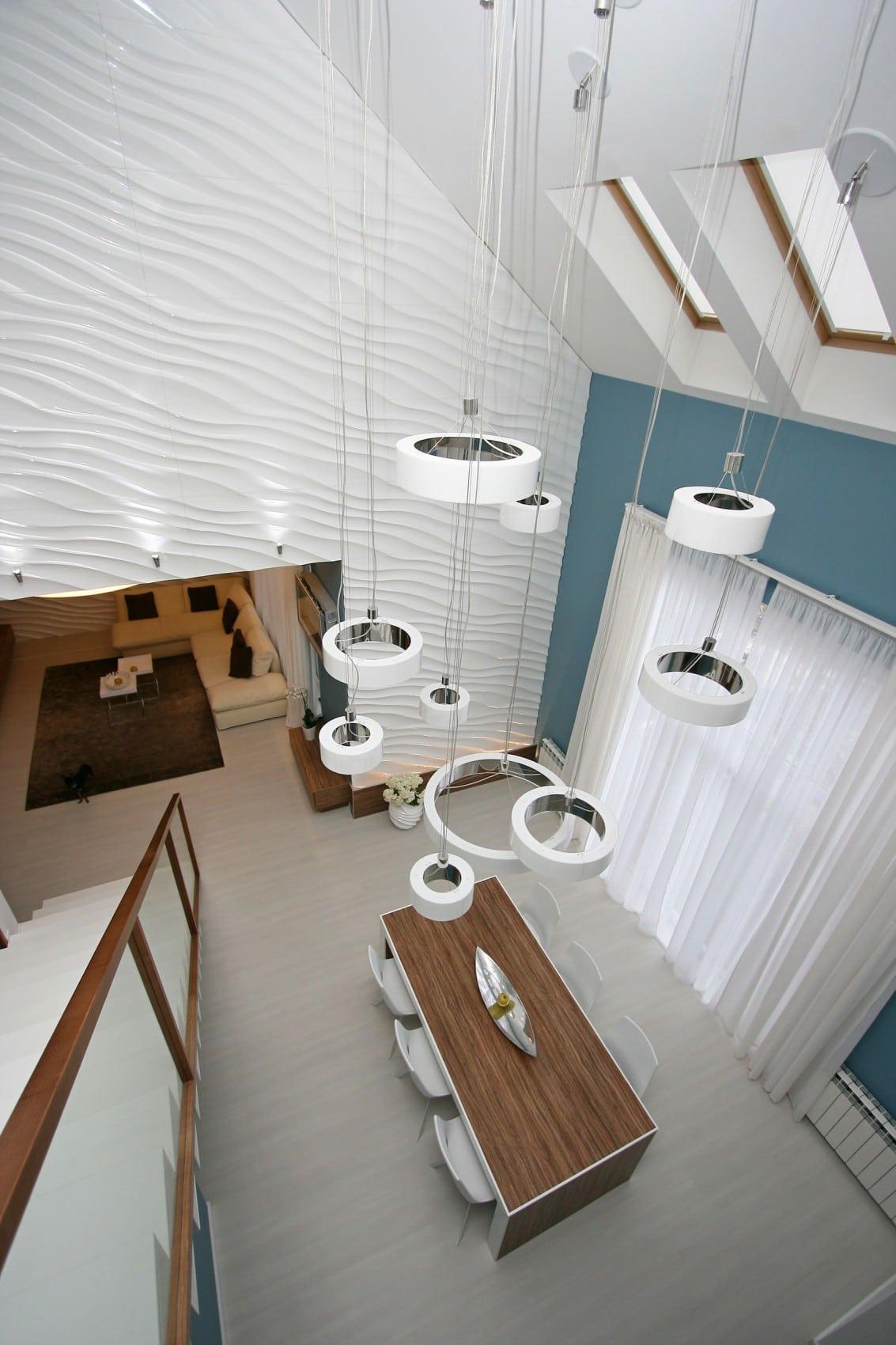 Dise o casa moderna dos plantas y planos construye hogar for Lamparas para salas pequenas