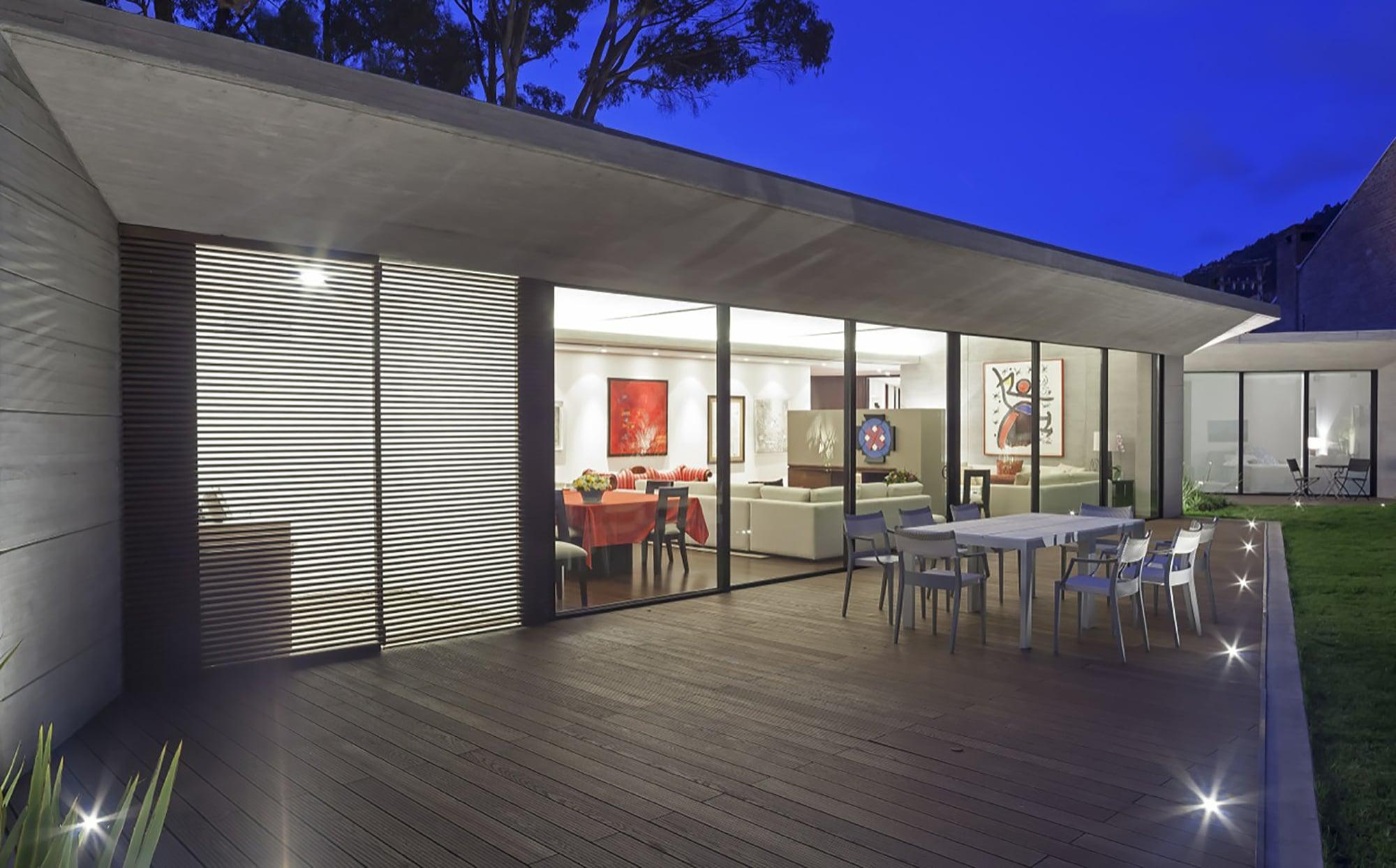 Moderno dise o casa de un piso con planos construye hogar for Pisos con terraza en bilbao