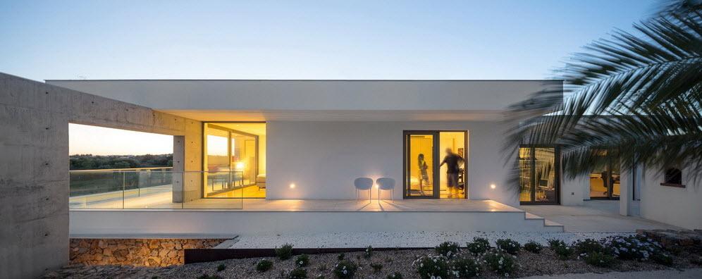 Moderna casa de dos plantas con piscina en azotea for Plantas de casas modernas con piscina