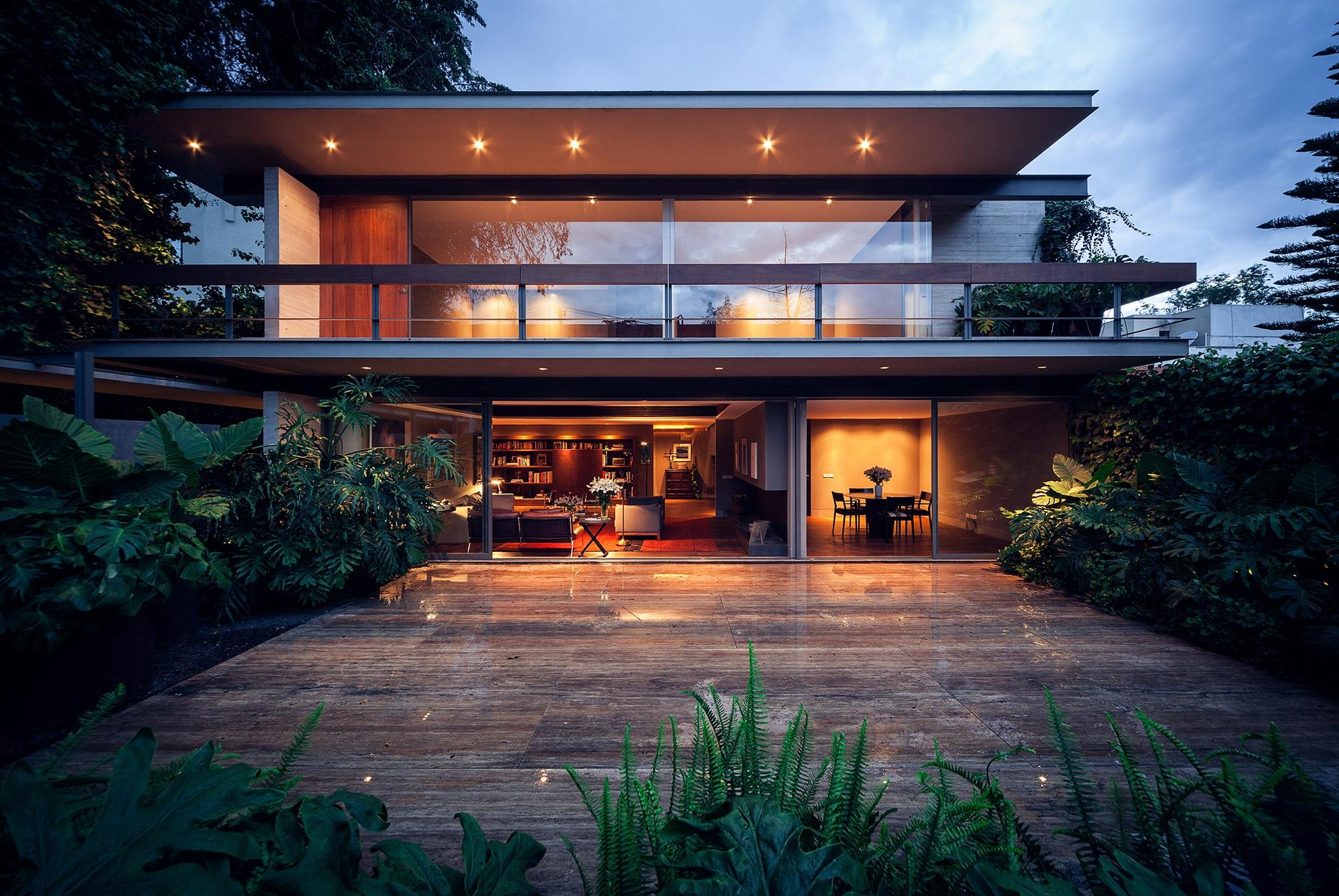 Dise o y planos de casa cuadrada contrucci n construye for Ambientes de una casa moderna