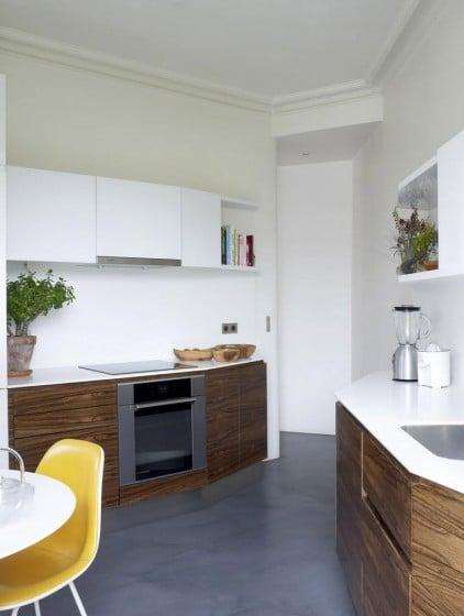 Diseño de cocina en espacio triangular