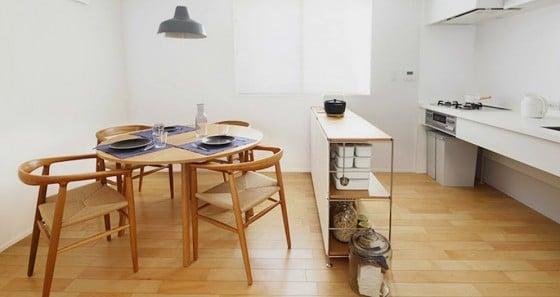 Diseño de comedor y cocina pequeña de casa prefabricada