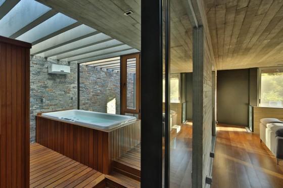 Diseño de jacuzzi con pisos de madera