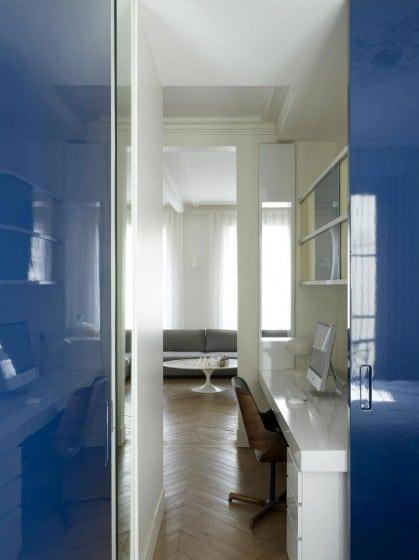 Diseño de escritorio de paso  en casa triangulo