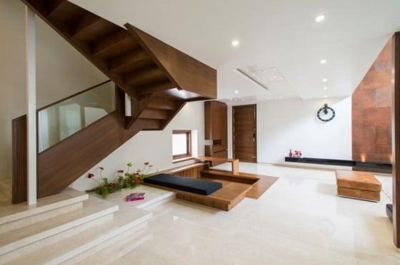 Diseño de interiores de casa moderna de tres plantas