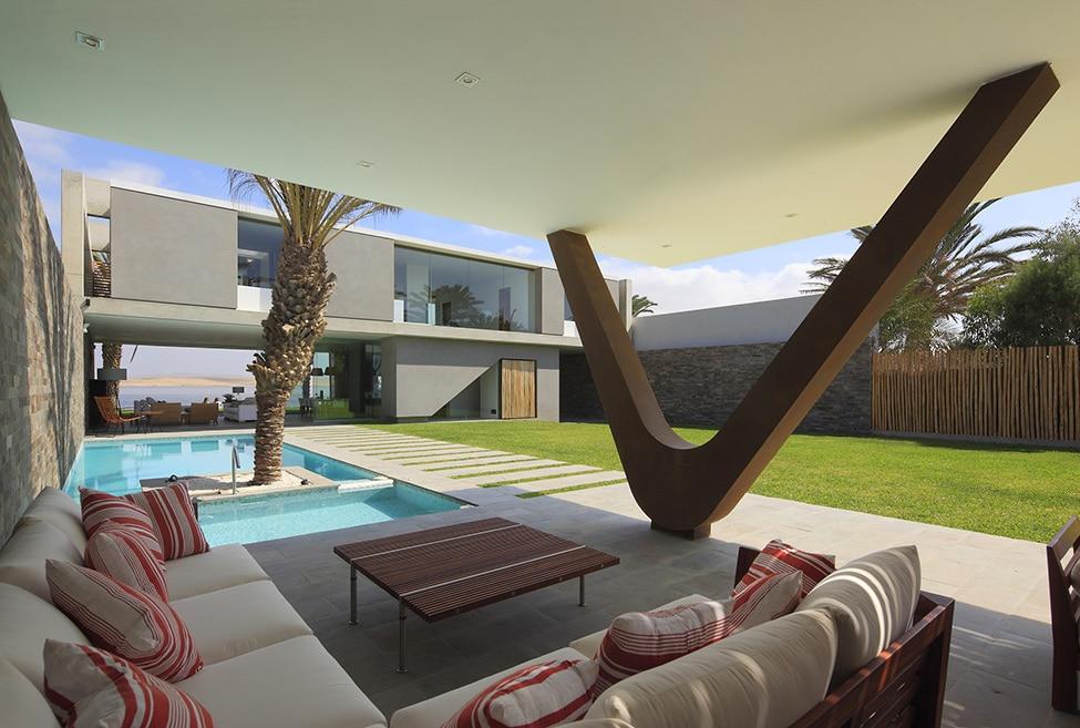 Fachadas de casa moderna de dos plantas construye hogar for Modelos de casas con terrazas modernas