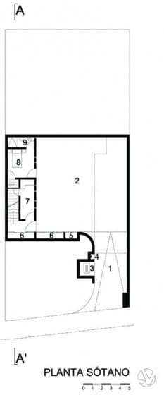 Plano de sótano de casa de dos plantas