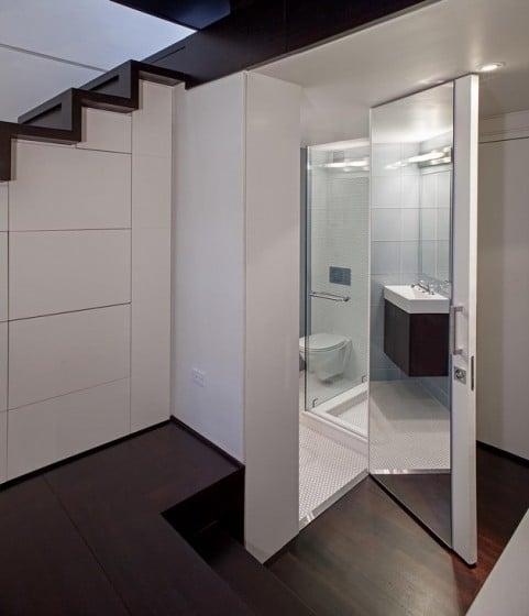 Vista del cuarto de baño de apartamento pequeño