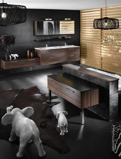 Decoración de cuarto de baño con figuras de animales de adorno