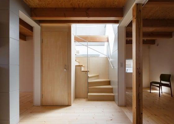 Diseño de escaleras de madera de casa pequeña