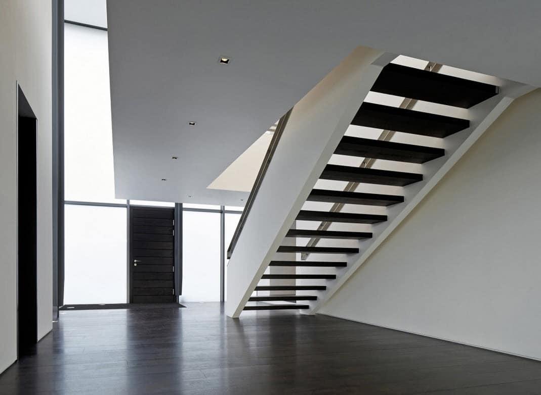 Dise o de casa de dos plantas con planos for Imagenes escaleras modernas