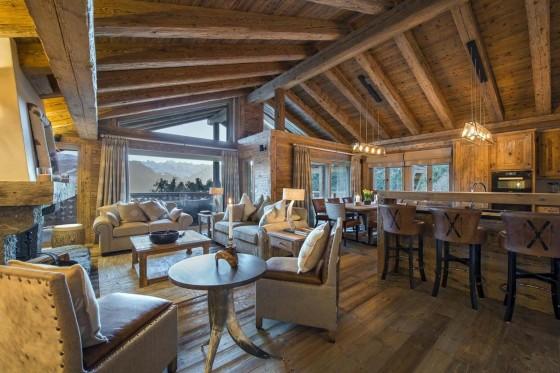 Diseño de sala comedor de casa de campo de madera