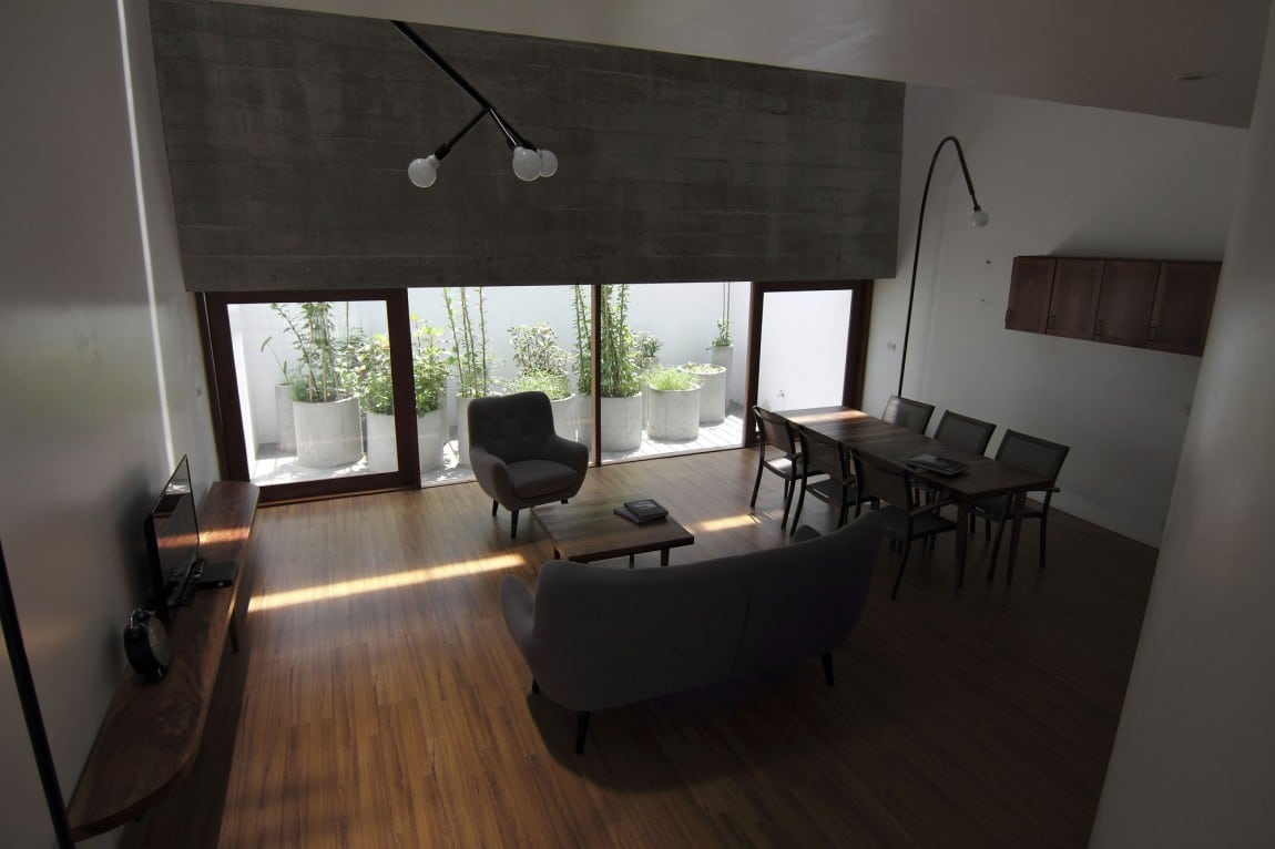 Planos de casa de tres plantas peque a for Diseno sala comedor
