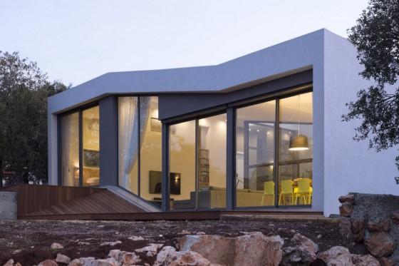 Fachada de casa de un piso moderna