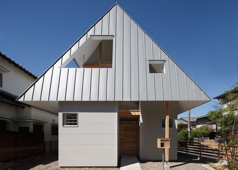 Dise o de casa peque a de dos plantas construye hogar for La casa tiene un techo
