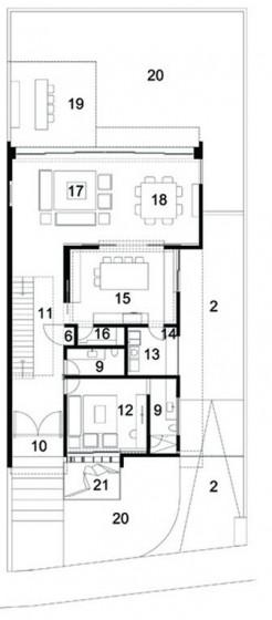Plano de casa de dos pisos y tres cuartos