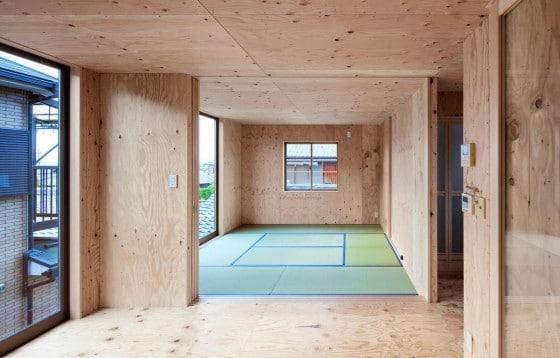 Diseño de interiores con madera en casa pequeña