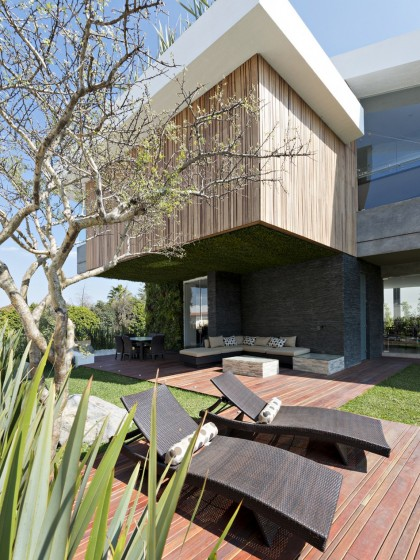 Diseño de terraza de casa moderna grande