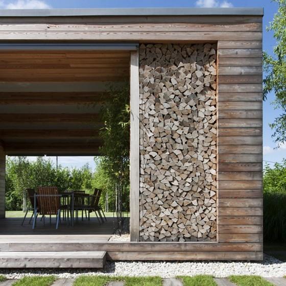 Detalle de maderas en fachada de cabaña