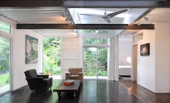 Diseño de interiores de casa contenedor reciclada