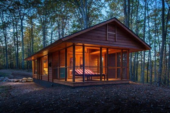 Diseño de pequeña casa construida en  madera