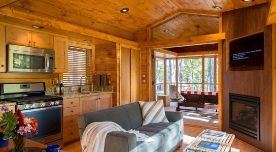 Diseño de sala de casa de madera