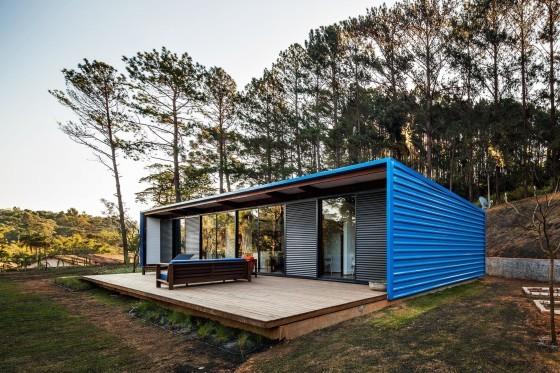 Diseño de fachada de casa construida con contenedor