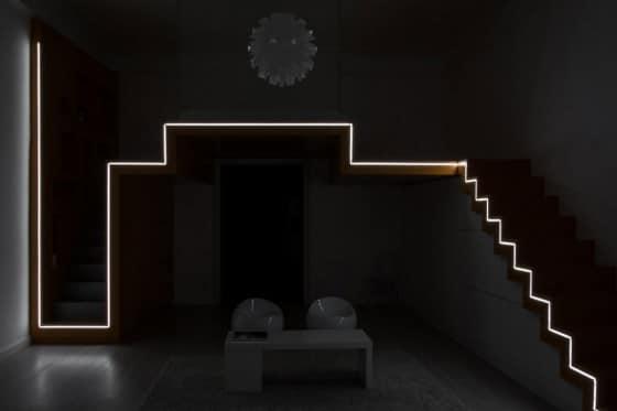 Foto de pequeño departamento iluminado