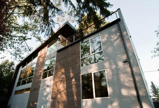 Vista de fachada de casas de dos plantas