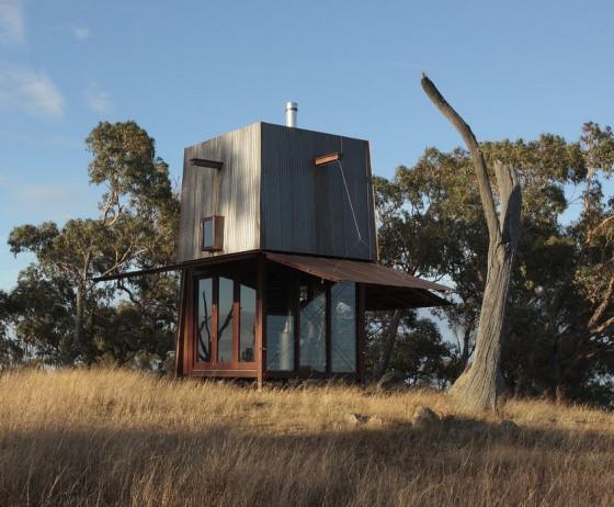 Casa muy pequeña para acampar, estructura metálica da seguridad