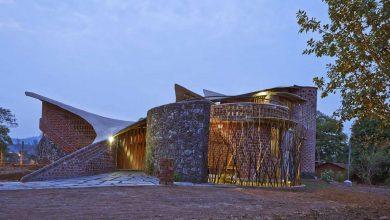 Photo of Diseño de casa orgánica construida con materiales rústicos se integra al entorno natural