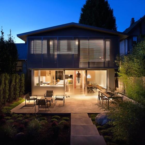 Diseño de fachada posterior casa moderna