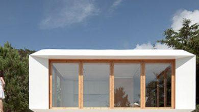 Photo of Diseño de pequeña casa que utiliza métodos prefabricados para ampliarla, de moderna y fácil construcción