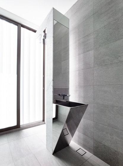 Diseño de moderno lavatorio de cuarto de baño