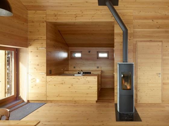 Diseño de cocina de madera de casa en la montaña