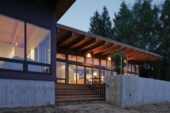 Diseño de moderna casa madera y bases de hormigón