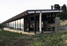 Photo of Diseño de casa de campo de un piso, construcción durable con equilibrado uso de materiales