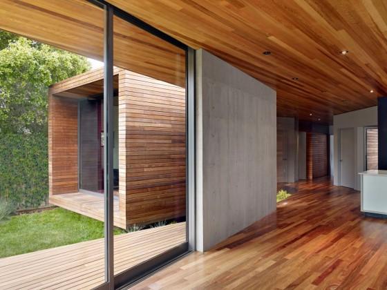 Detalles de diseño interior de casa de madera y concreto
