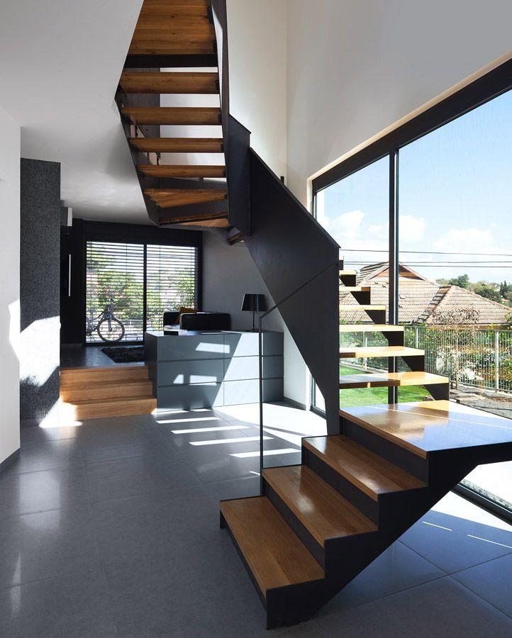 Dise o de casa moderna de dos pisos planos construye hogar for Planos de escaleras de hierro